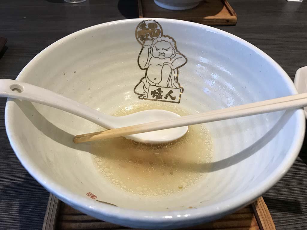 麺匠 大阪らーめん しおじん 堺東店 てっちゃんらーめん塩 鉢