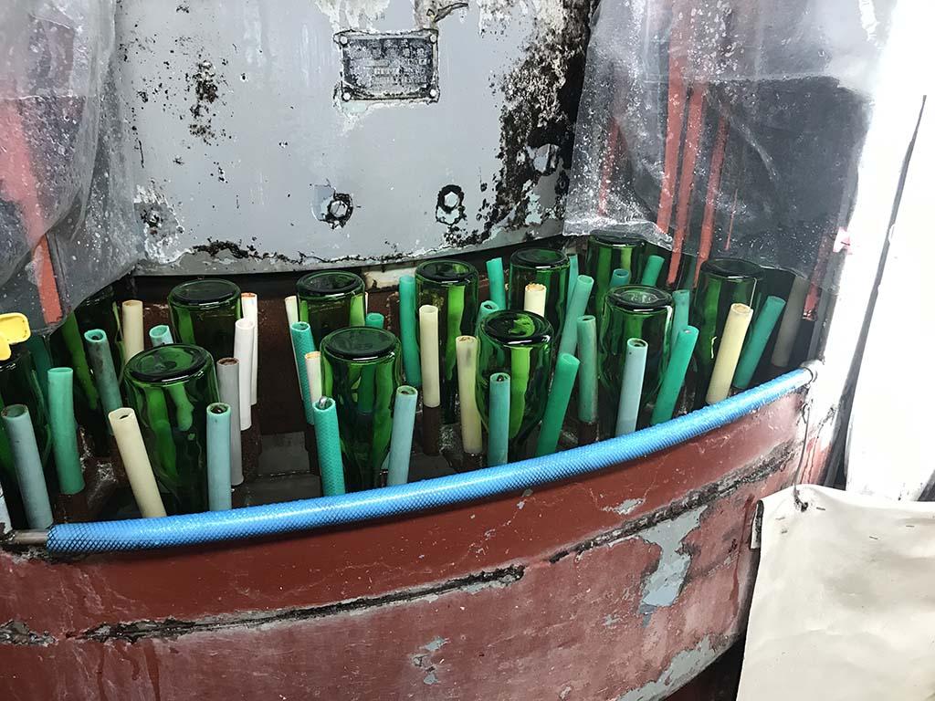 淡路島の酒蔵 千年一酒造 酒蔵見学 瓶洗浄1
