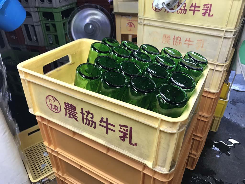 淡路島の酒蔵 千年一酒造 酒蔵見学 瓶洗浄2
