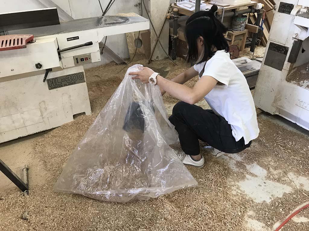 家具作りで出る鉋屑(かんなくず)5