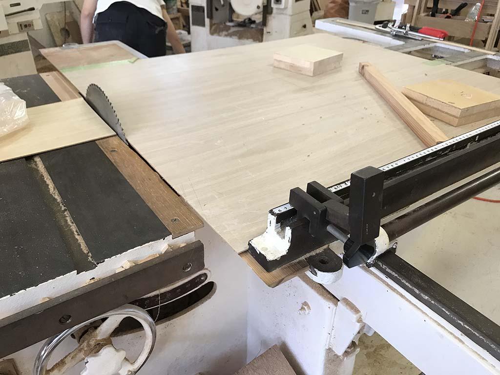 家具作りで出る鉋屑(かんなくず)木工機械